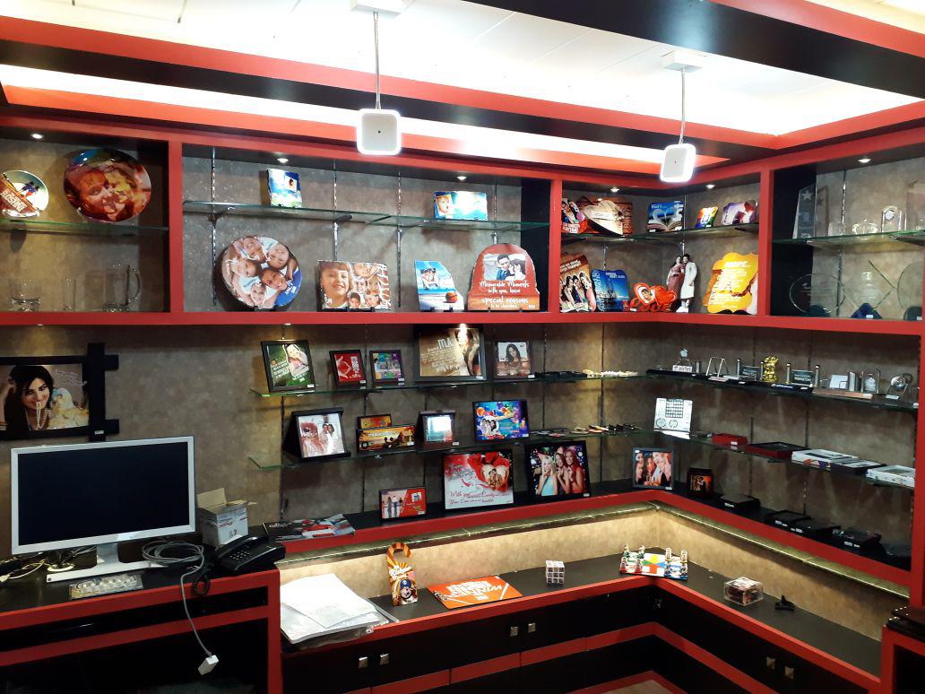 Personalised Gift Store In Indore - Krishna Digital Imaging